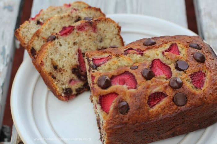 {Bisquick} Chocolate Chip-Strawberry-Banana Bread