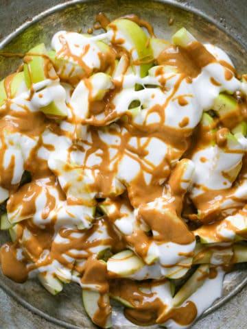 Fluffernutter Apple Nachos
