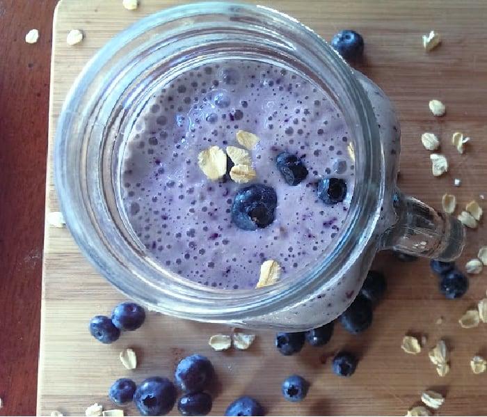 Blueberry Oatmeal Protein Smoothie (Greek Yogurt}