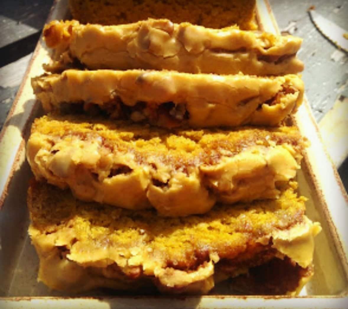 Country Pumpkin & Banana Cinnamon Bread {Pumpkin Glaze}