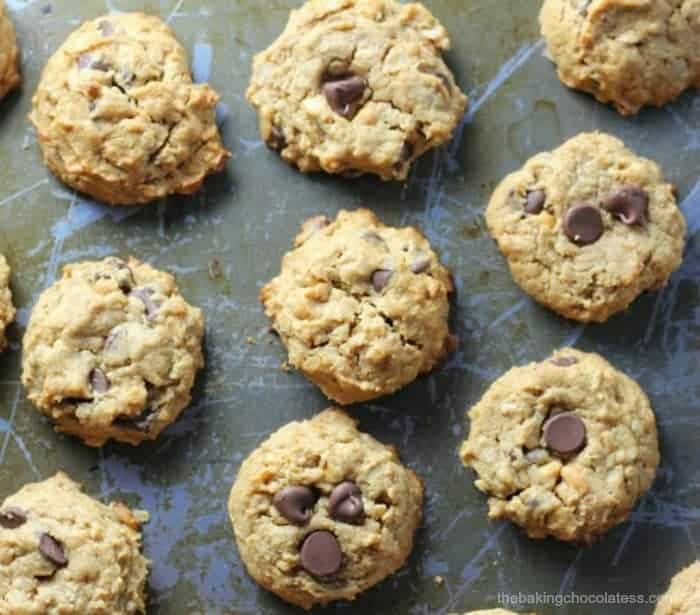 Flourless Peanut Butter Chocolate Chip Cookies {GF, No Butter, Naturally Sweetened}
