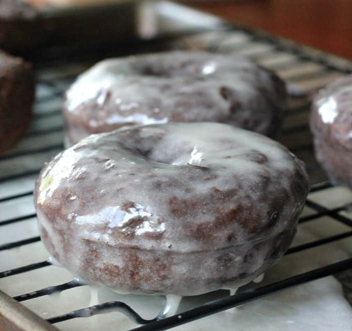 how to make fluffy glazed donuts
