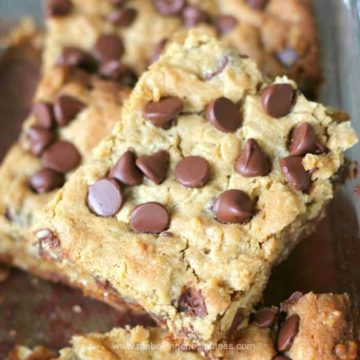 Delish Chocolate Chip Peanut Butter Oatmeal Bars