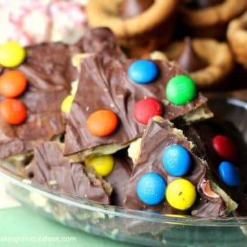 Easy Chocolate & Peanut Butter 'Crack' Toffee