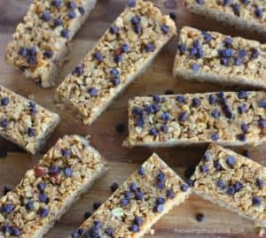 No-Bake Chewy Chocolate Chip Peanut Butter Granola Bars