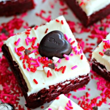 'Kiss Me' Red Velvet Brownies