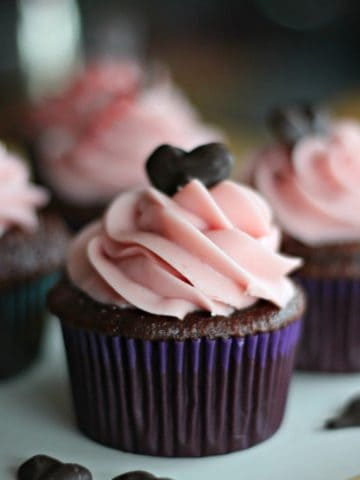 """""""Lovey-Dovey"""" Chocolate Heart Raspberry Chocolate Mousse Cupcakes"""