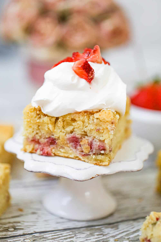 Fresh Strawberry Yogurt Cake - Sugar-Free Option