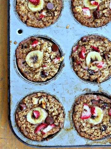 Healthy Baked Strawberry Banana Chocolate Chip Oatmeal Cups