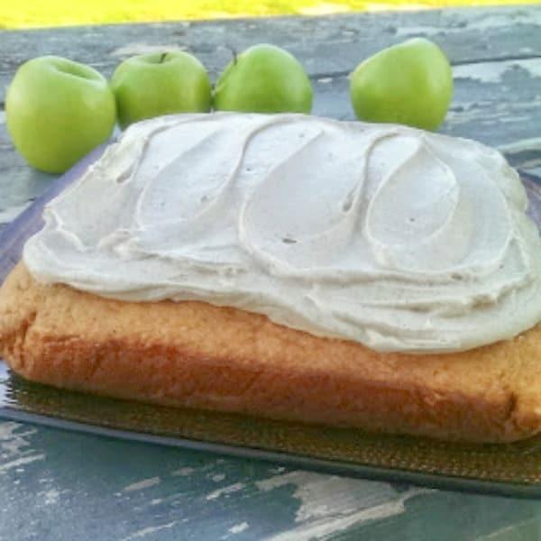 'Awesome' Cinnamon Applesauce Cake