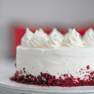 """""""American Beauty"""" Retro Red Velvet Cake"""